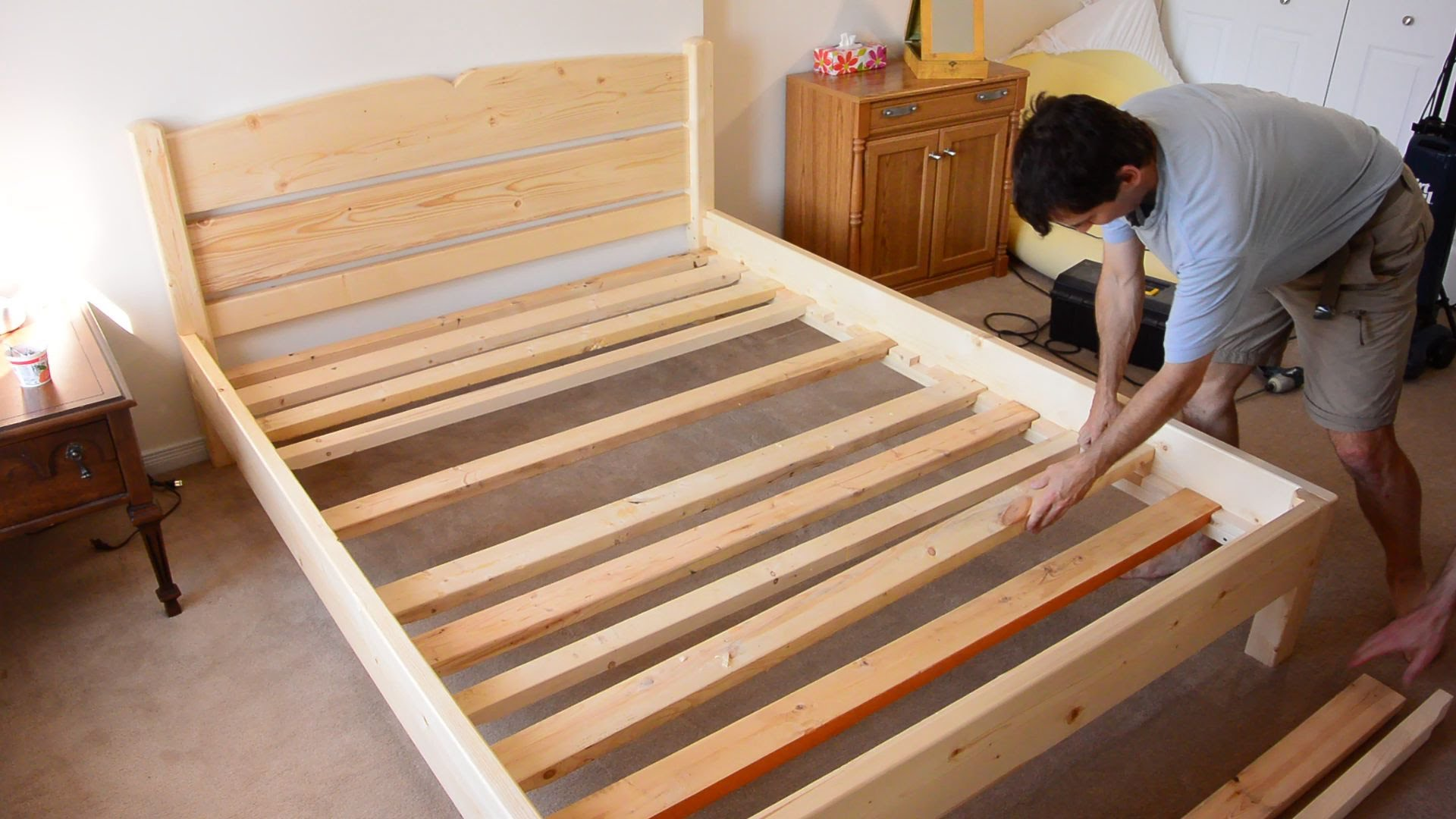 Building A Queen Size Bed From 2 215 4 Lumber Diy Fyi