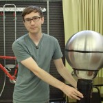 How to Make An Easy Van de Graaff Generator – DIY Extra