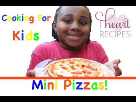Mini Pizzas by son Gio : Cooking For Kids – I Heart Recipes