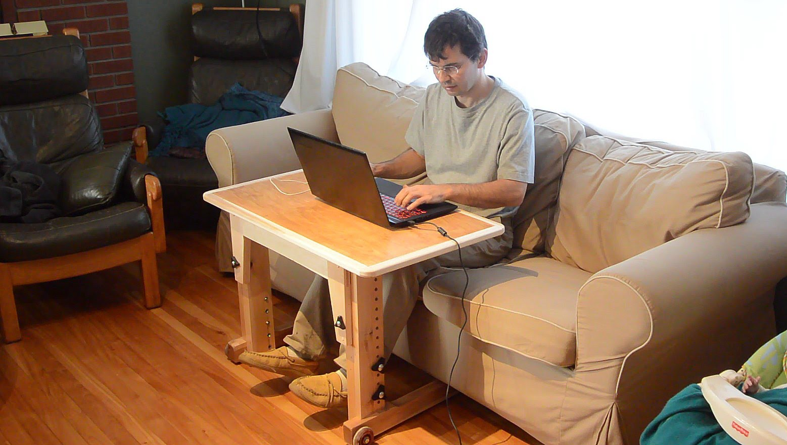 Knock Down Laptop Table For Couch / Standup Desk
